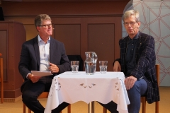 Betagsgottesdienst 15.9.2019 evang. Kirche Diepoldsau: Pfr. Andreas Brändle (links) im Gespräch mit dem Frauenfelder Stadtpräsidenten Anders Stokholm.