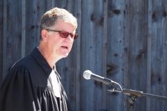 Pfarrer Andreas Brändle taufte ein Kind und stellte die Diepoldsauer Konfirmanden vor.