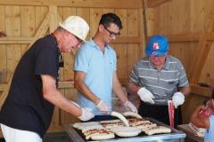 Dass Grillteam Fredy, Patrick und Kurt im Einsatz.