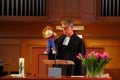 Pfarrer Andreas Brändle im Dialog.