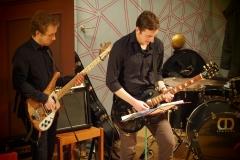 Von links: Beni Krause, Bass; Philipp Keller, E-Gitarre