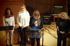 Von links: Ruth Eggenberger und Liane Weiss (Gesang),  Pfarrerin Silke Dohrmann, Carola Dörig (Gesang)